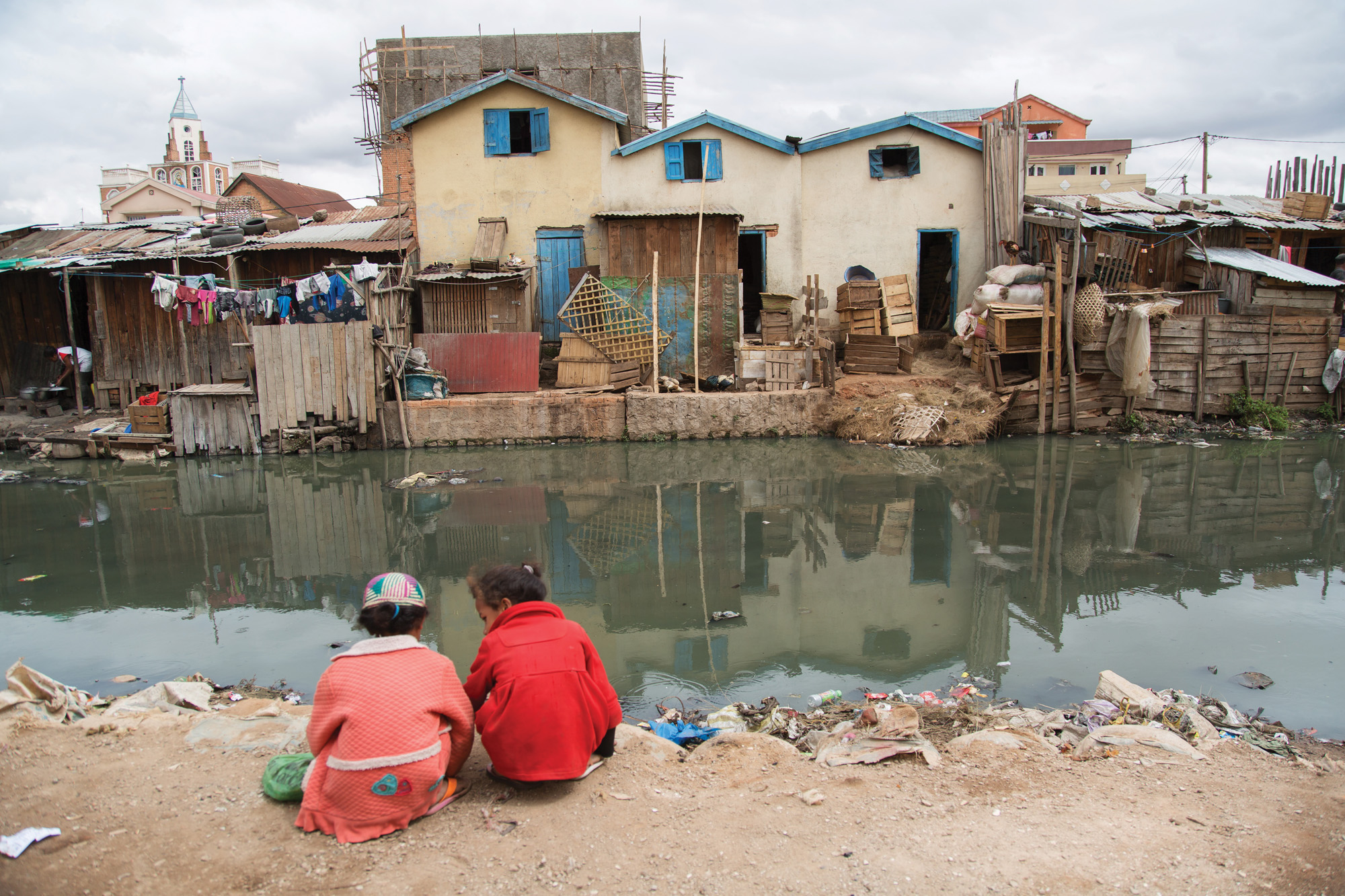 http://staging.skoll.org/wp-content/uploads/2015/01/Pollution-in-Antananarivo.jpg